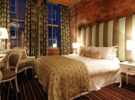 Velvet Hotel,