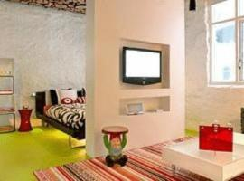 Apartment K,