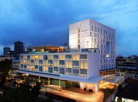 Morrissey Hotel Residences,