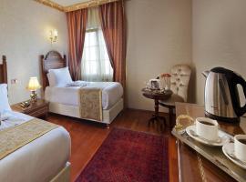 Hotel Sapphire,
