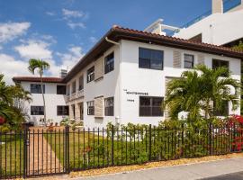 Miami Whitehouse Apartments,