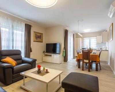 Villa Flores Apartamentos Rogoznica
