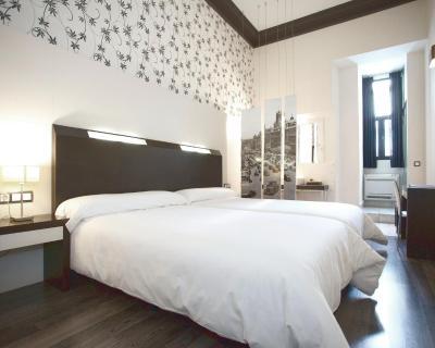 Hostal alhambra suites bed & breakfast madrid
