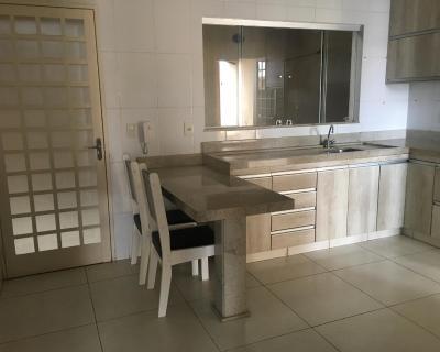 71102dfdf Sobrado muito espaçoso, Holiday home Goiânia