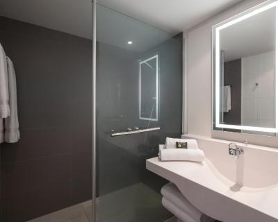 Camere Con Divano Letto : Hotel novotel bordeaux centre