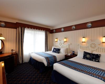 Hotel disneys newport bay club® disneyland