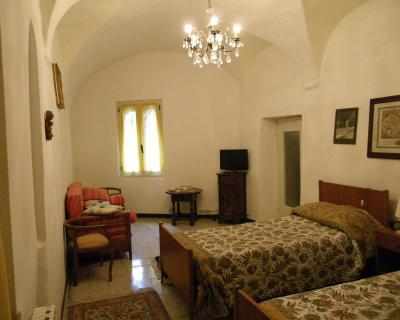 Bb Letti A Castello Finale Ligure.Lazagara Bed Breakfast Zuccarello