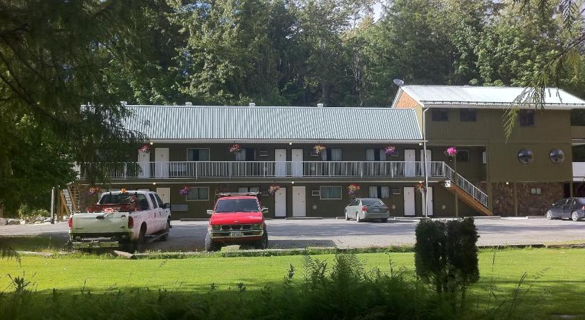 Click To See More Photos Of The Hitching Post Motel