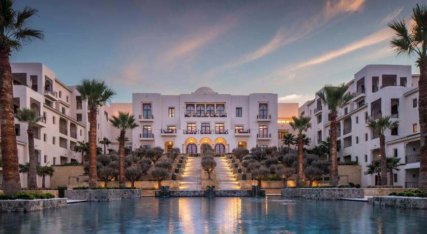 four seasons hotel tunis 海外ホテル予約は 一休 com