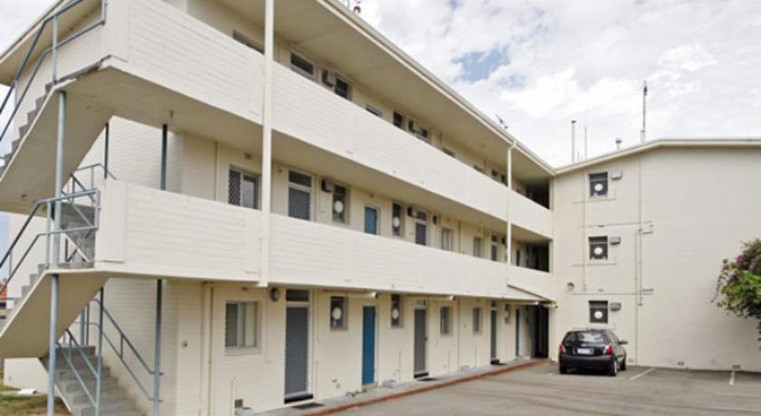 Malibu Apartments   Perth