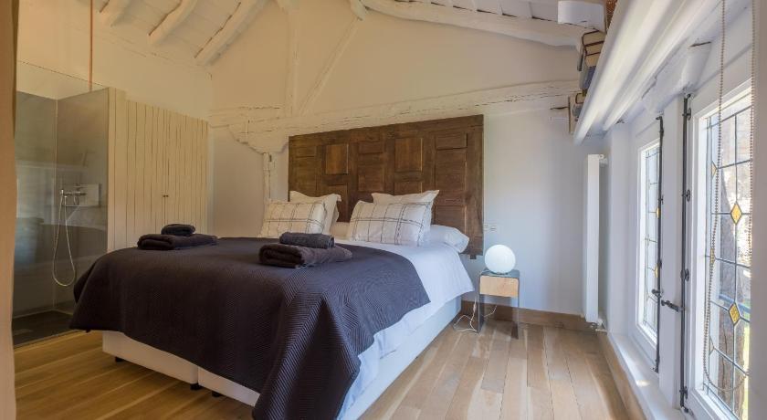 Hotel Posada Santa Maria La Real-13664835