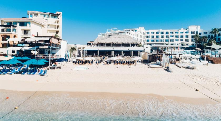 Bahia Hotel Beach House