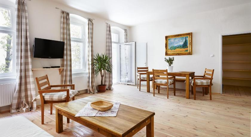 Captivating Townhouse Apartments Wien