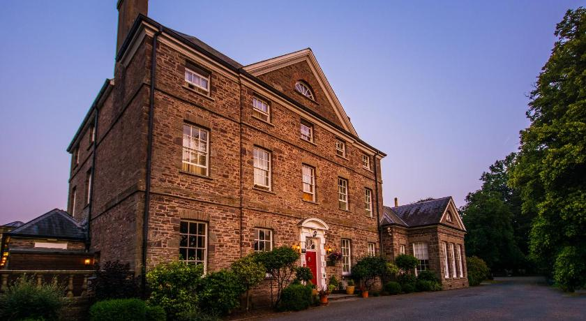 Peterstone Court Country House Restaurant Spa