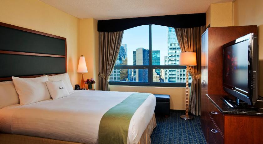 DoubleTree Suites By Hilton NYC Times Square 48 Broadway New York Delectable 3 Bedroom Suites In New York City Interior