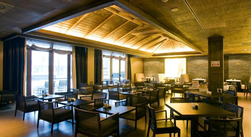 Hotel Val De Neu-12954419