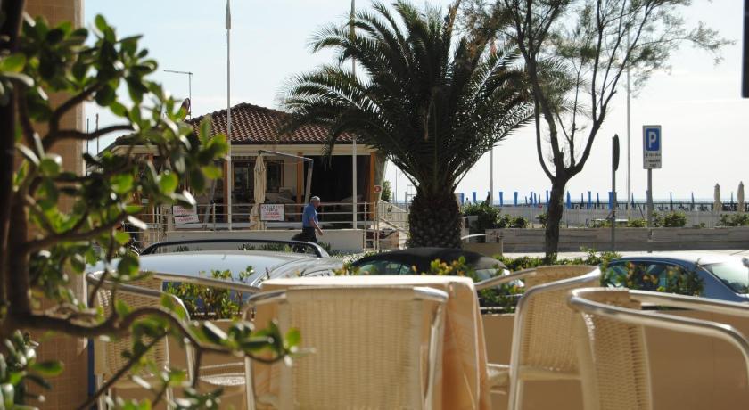 Hotel Capri & Residence (formerly Hotel Capri) Viale Pistelli 6 Lido ...