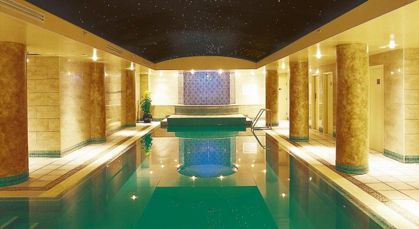 Radisson hotel suites sydney 72 liverpool street sydney - Hotels in liverpool with swimming pool ...
