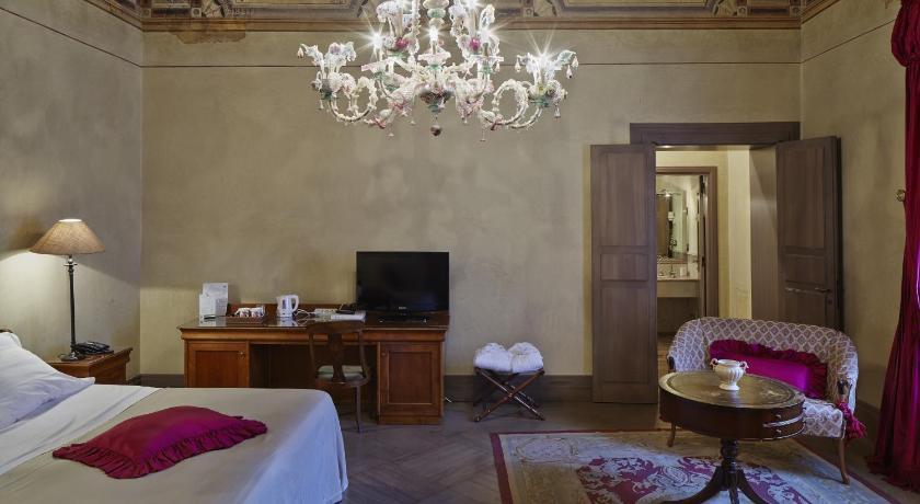 Albergo Cappello Via 4 Novembre 41 Ravenna a86e9456c579