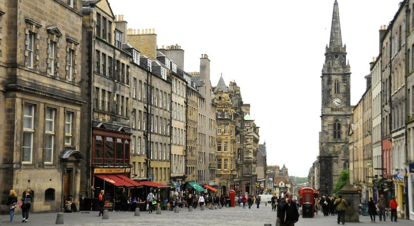 Stay Edinburgh City Apartments - Royal Mile CREST OF ...