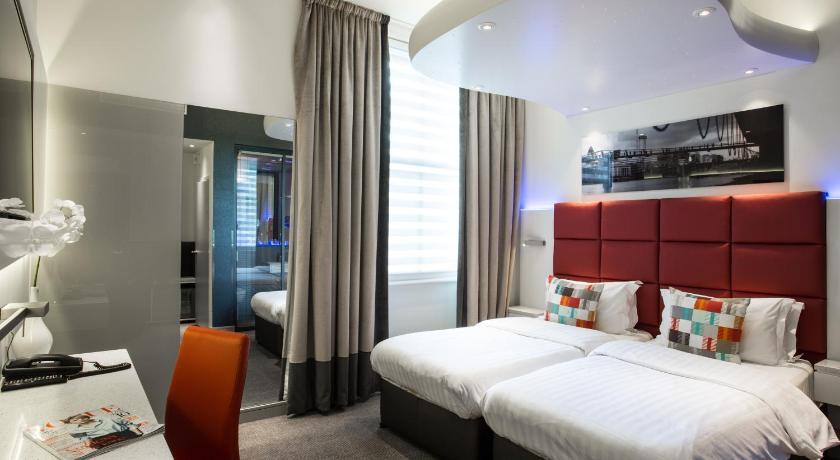 Book Henley House Hotel in London  Hotelscom