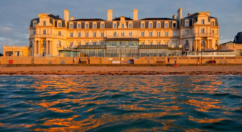 Grand Hotel Des Thermes Saint Malo Restaurant