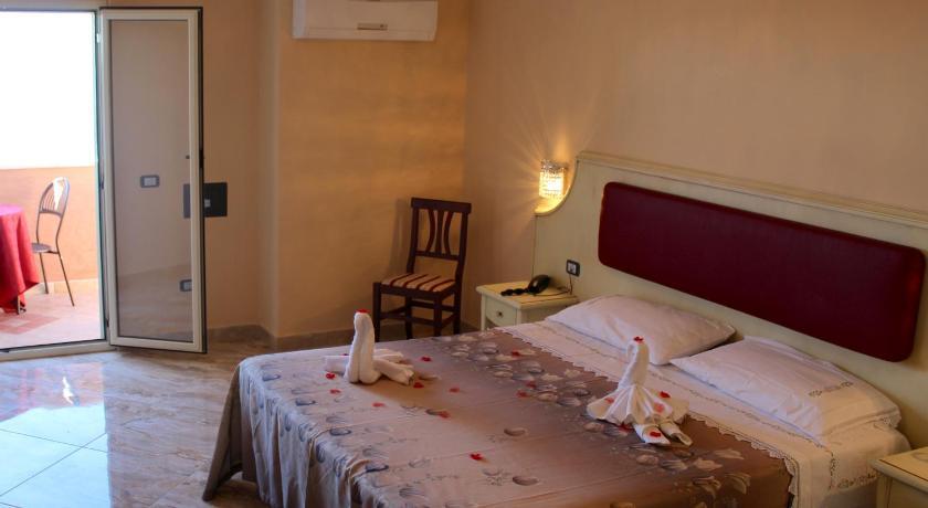 Hotel Terrazzo Sul Mare Via Croce Tropea