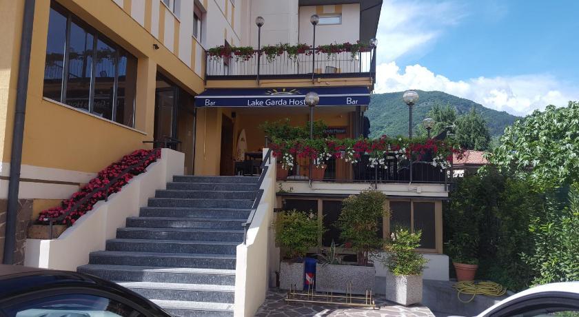 Lake Garda Hostel (formerly Hotel Terrazzo) Via Ferdinando Bertoni ...