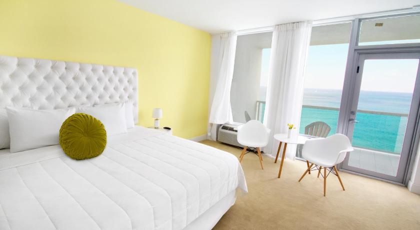 Deauville Beach Resort 6701 Collins Avenue Miami Beach
