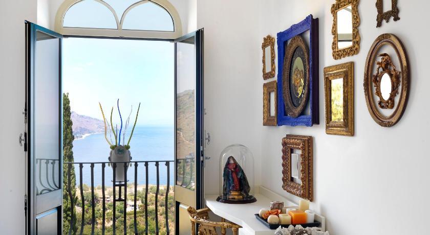Villa Sirena by Diego Dalla Palma