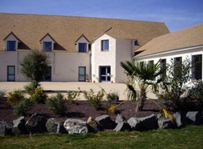 la terrasse des oliviers c rans foulletourte book your hotel with viamichelin. Black Bedroom Furniture Sets. Home Design Ideas