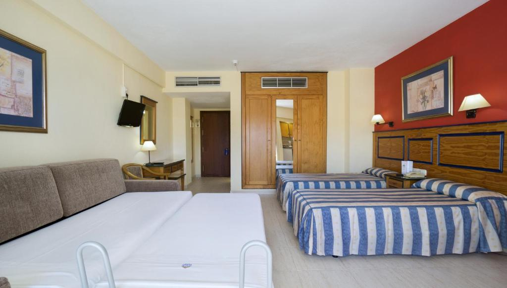 Hotel apartamentos pyr fuengirola fuengirola reserva tu hotel con viamichelin - Apartamentos pyr fuengirola ...