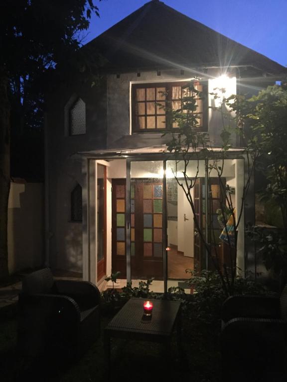 Petite maison du jardin - Ferienhaus in Rosny sous Bois en ...