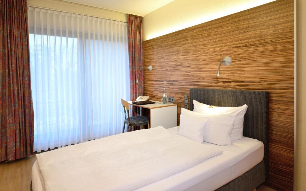 hotel hansen bergisch gladbach informationen und buchungen online viamichelin. Black Bedroom Furniture Sets. Home Design Ideas