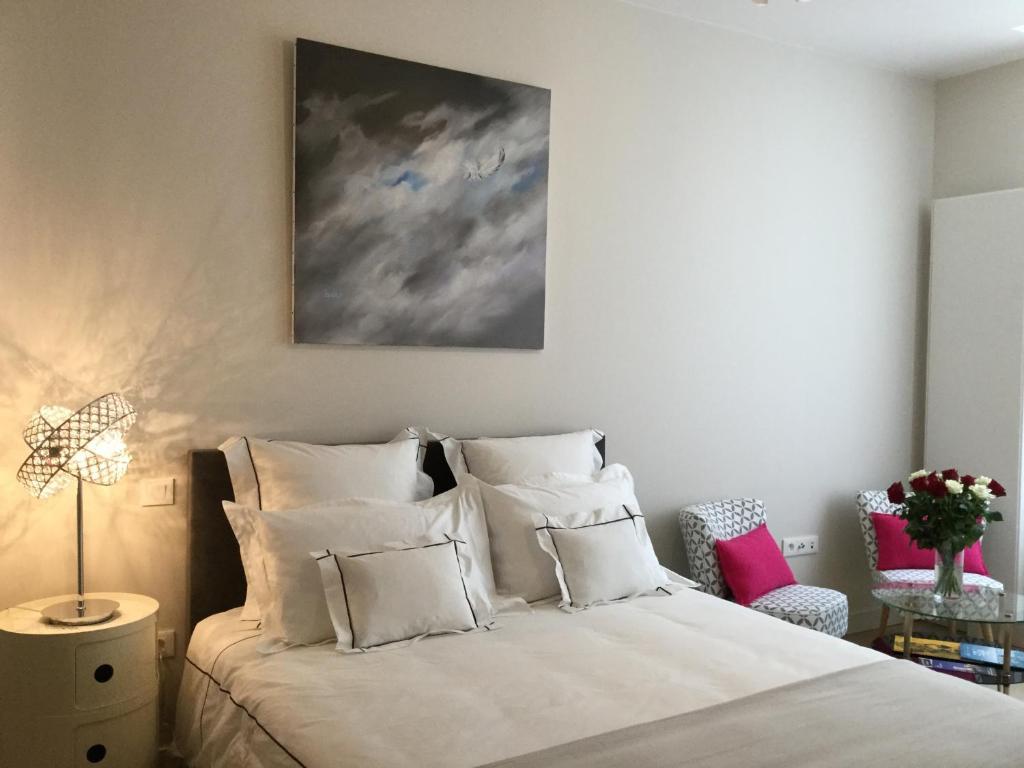 chambre d 39 h tes calme et s r nit chambre d 39 h tes la rochelle. Black Bedroom Furniture Sets. Home Design Ideas