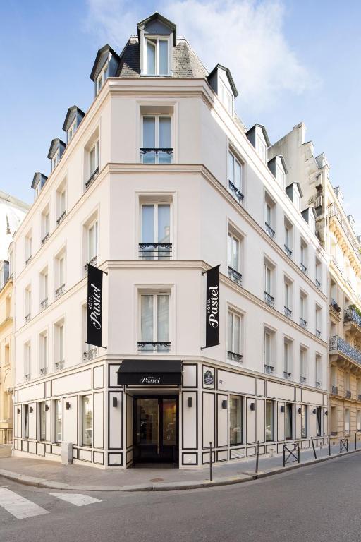 H tel pastel paris paris online booking viamichelin for Michelin hotel france
