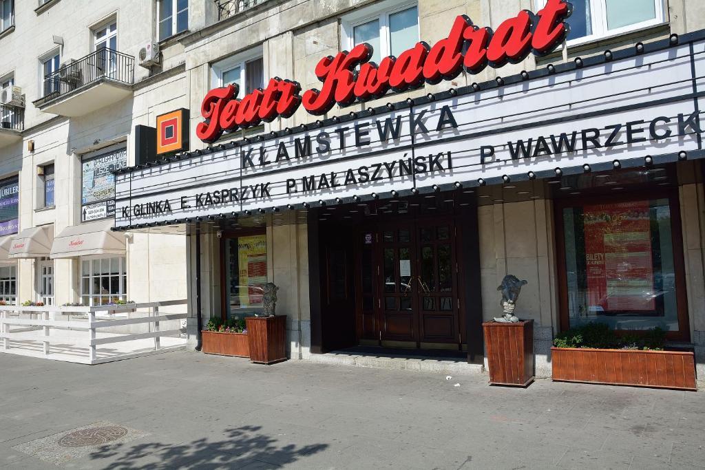 Sleep4you apartamenty centrum varsovia reserva tu hotel for Habitaciones familiares lisboa