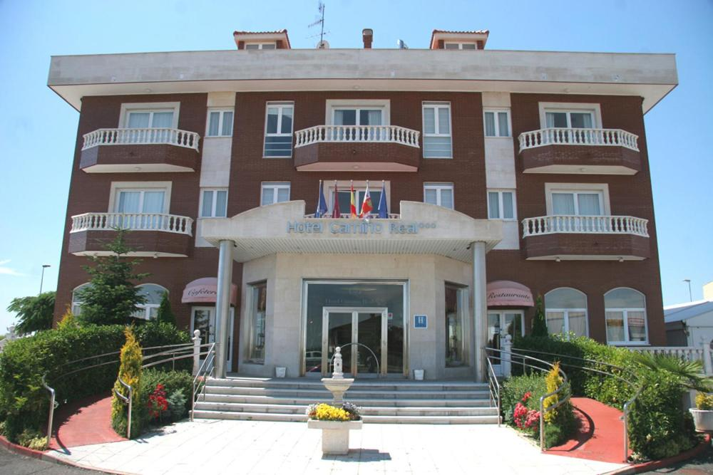 Hotel camino real le n reserva tu hotel con viamichelin for Habitaciones familiares leon