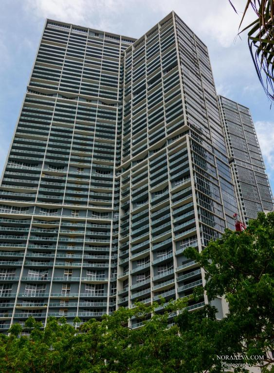 LUXURY 5-STAR CONDO @47TH floor in Icon Brickell