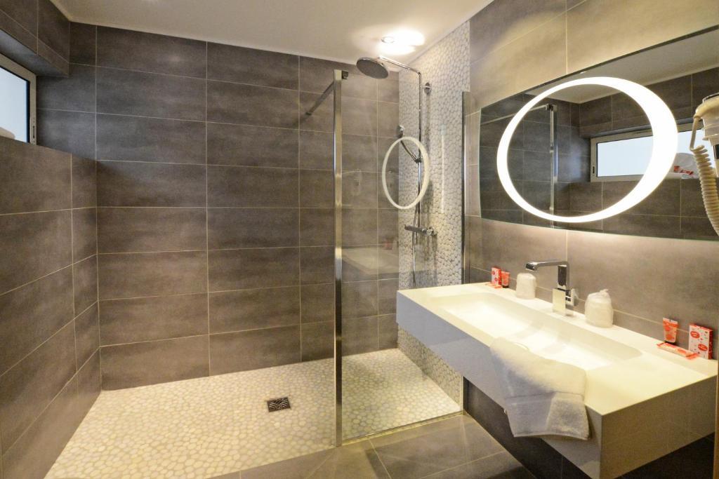 Calvi h tel calvi reserva tu hotel con viamichelin for Habitaciones familiares lisboa