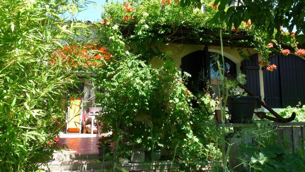 Vieux jean villa arcachon en gironde 33 4 km de la for Apart hotel arcachon