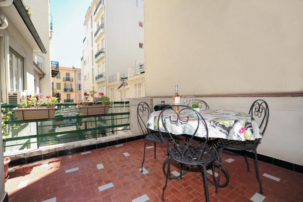 Wohnung Appartamento La Terrasse Zen Five stars Holiday Haus ...