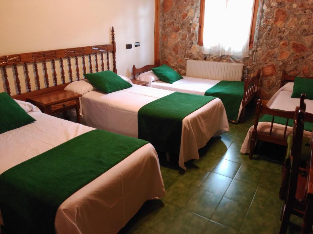 Picon del Conde, Camping Monasterio de Rodilla