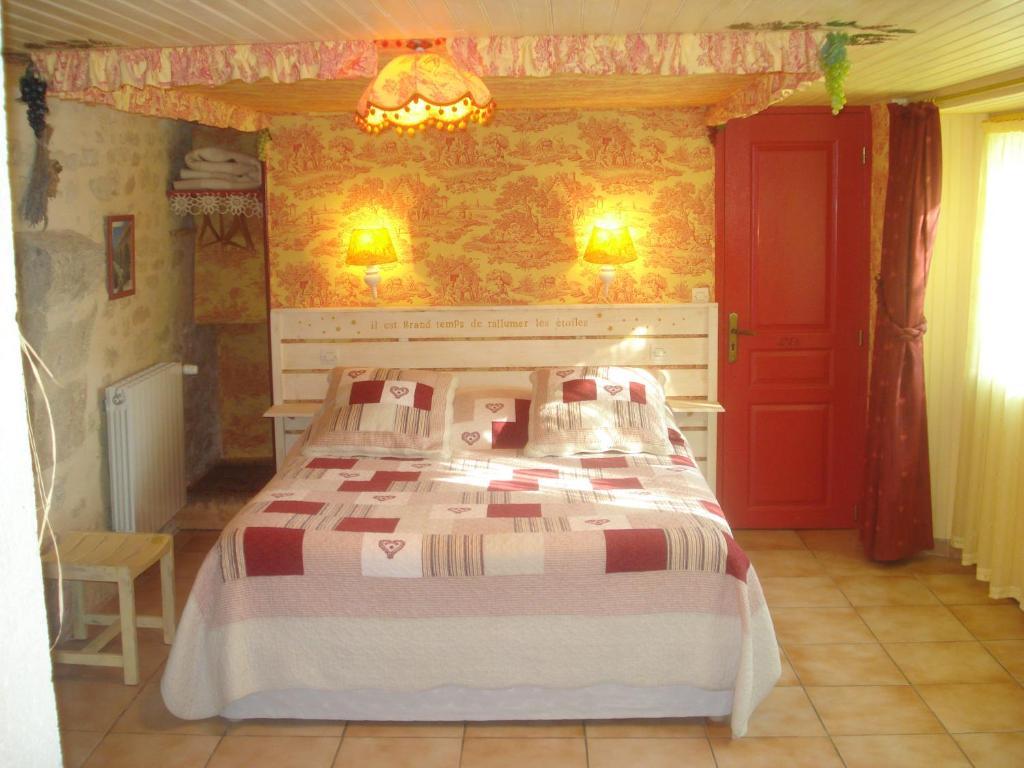 Chambres d 39 h tes locastillon chambres d 39 h tes castillon du gard dans le gard 30 10 km d 39 uz s - Chambre d hote castillon du gard ...