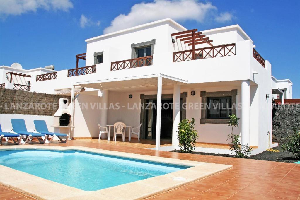 Villa Holidays Lanzarote Playa Blanca Metal Roof And