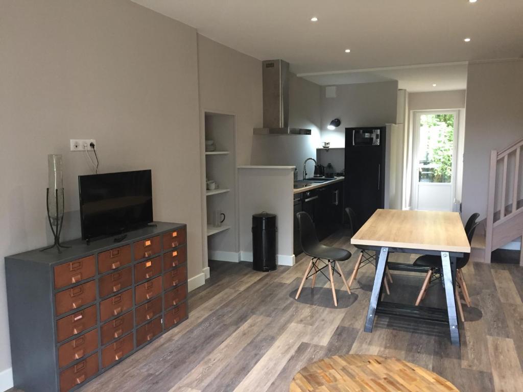 chambres d 39 h tes hameau de la landri re chambres d 39 h tes saint mal du bois. Black Bedroom Furniture Sets. Home Design Ideas