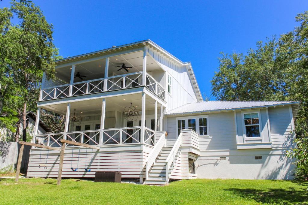 Best of both worlds 30a beach house r servation gratuite for Beach house designs satellite beach fl