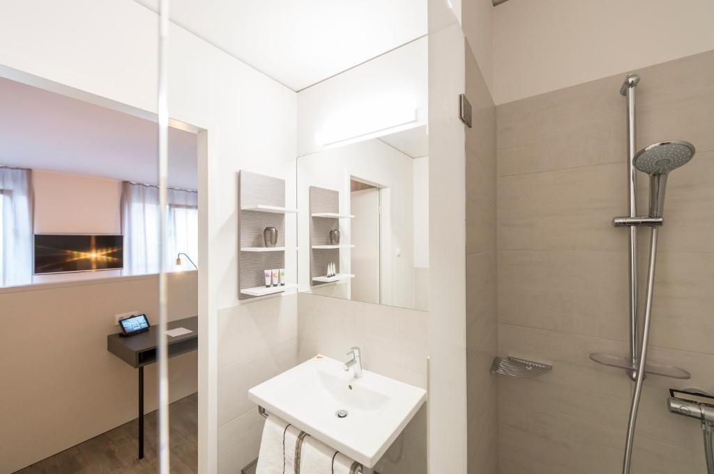 harbr boardinghouse ludwigsburg ludwigsburg. Black Bedroom Furniture Sets. Home Design Ideas