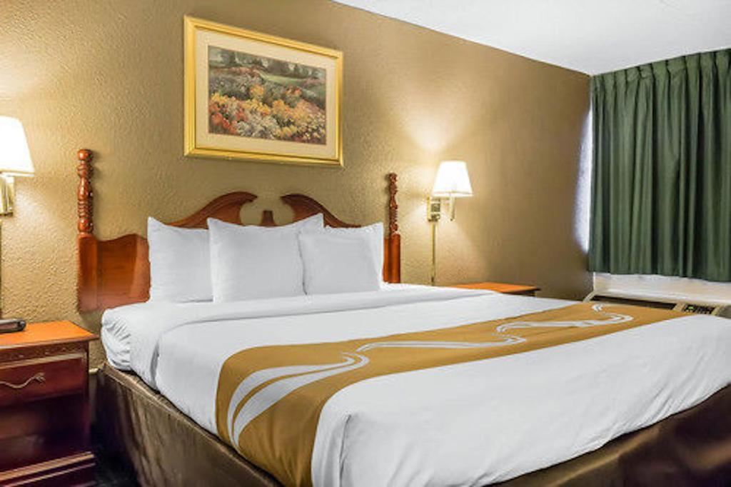 Book Now Quality Inn Philadelphia Airport (Philadelphia, United States). Rooms Available for all budgets. A convenient near-flight location couples with free high-speed internet access a business center and a complimentary airport shuttle at Quality Inn Philadelphia Airport. The t