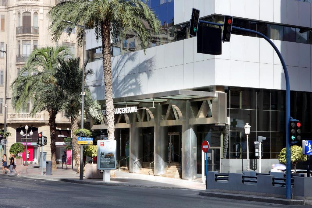 Eurostars lucentum alicante reserva tu hotel con for Hoteles familiares alicante